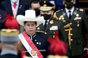 Mercado peruano se tambalea tras conocer el gabinete del presidente Castillo
