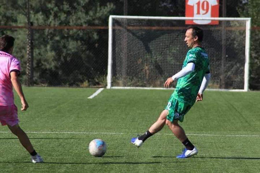 Michael Ríos entrenando en Lautaro de Buin.