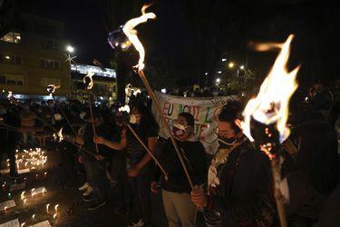"""Gobierno de Colombia llama a un diálogo con """"quienes marchan"""" y """"quienes no marchan"""" en protestas"""