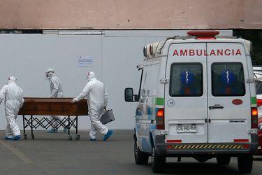 Abril pasa a ser el segundo mes con más decesos asociados al Covid-19 de la pandemia: DEIS atribuye un total de 3.874 fallecimientos a ese periodo
