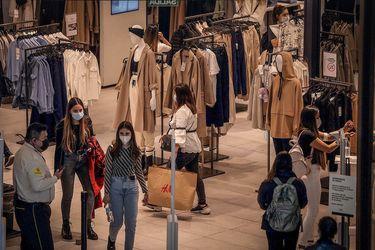 Cuarentenas y Cyberday impactaron las ventas presenciales del comercio en junio
