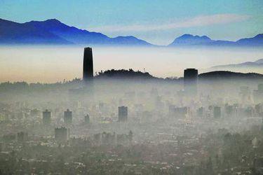 Movilidad en Santiago: destaca en inversión y reprueba en calidad del aire