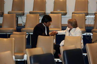 """Del """"mar para Bolivia"""" a la derrota en La Haya: La relación de altos y bajos de Evo Morales con Chile"""
