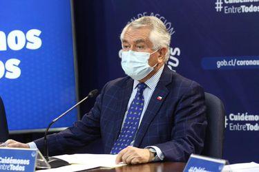 Ministro Paris llama al Senado a acelerar discusión de proyecto que endurece penas para quienes infringen medidas sanitarias
