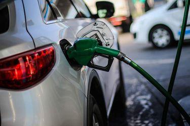 Precio de las bencinas bajará por vigésima semana consecutiva
