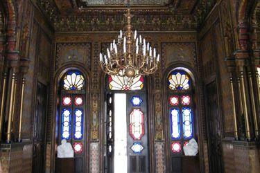Palacio de La Alhambra sufre robo de cuatro lámparas y destrucción de una pintura