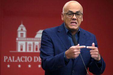 Ministro de Comunicación de Maduro da positivo por Covid-19