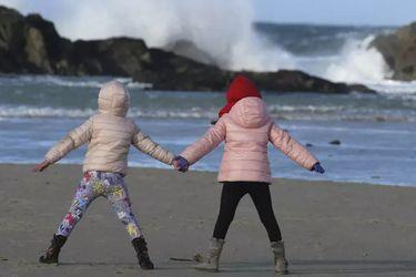 Chile ocupa el puesto 25 en ranking de países que proponen mejores políticas para el cuidado de niños, según Unicef