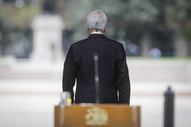 Gestión de la pandemia y críticas al Presidente Piñera son los temas más debatidos en redes sociales