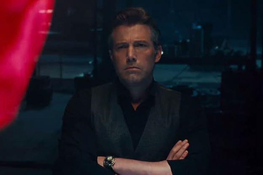Justice-League-trailer-Bruce-Wayne-Superman-hologram