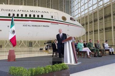 """La surrealista """"rifa"""" del avión presidencial de México: ¿Un acto populista de AMLO?"""