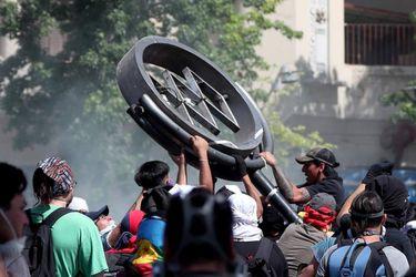 Miles de chilenos vuelven a copar la Plaza Italia de Santiago por séptimo día