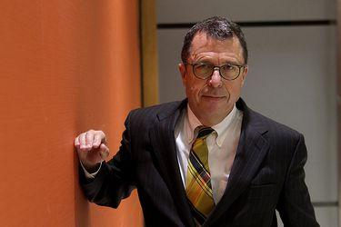"""Edwards defiende los fundamentos detrás del modelo de desarrollo chileno y dice que """"darles la espalda es un error garrafal"""""""