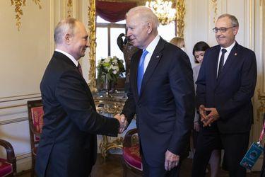 """Biden dice que advirtió a Putin que intentos de """"desestabilización de elecciones"""" no serán tolerados por EE.UU."""