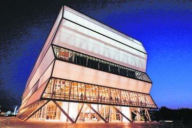 La lucha del Teatro del Biobío frente a la crisis