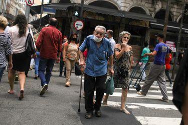 Brasil bordea los 170 mil fallecidos y más de seis millones de contagiados de coronavirus