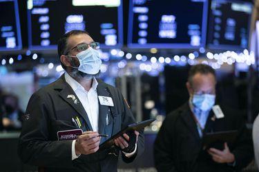 Acciones mundiales trepan a nuevos máximos históricos, pero la Bolsa de Santiago no se suma a la fiesta