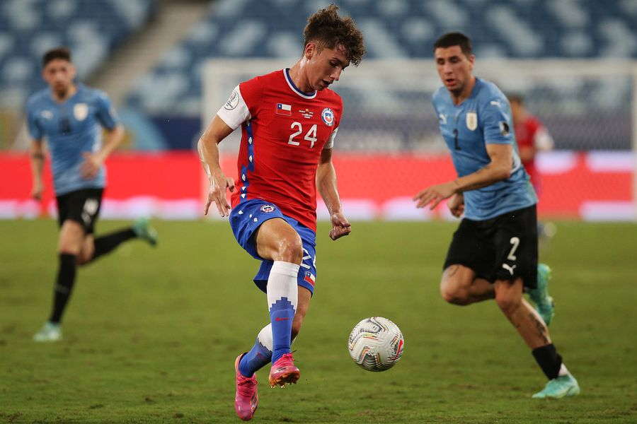 Luciano Arriagada se transformó en el segundo jugador más joven en debutar en la selección adulta.