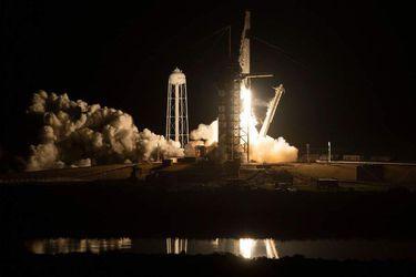 La NASA autoriza el primer vuelo tripulado de SpaceX