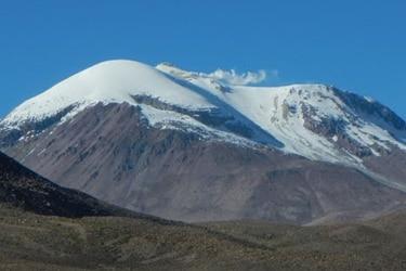Geólogos viajarán hasta las fumarolas de los cráteres de algunos de los volcanes más violentos de Chile para entender qué hay en su interior