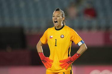 El duro reclamo de Tiane Endler por el gol no cobrado que sacó a las Rojas de Tokio
