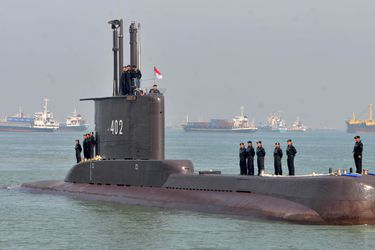 Autoridades de Indonesia confirman la muerte de los 53 tripulantes del submarino desaparecido