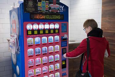 Un solo ganador se lleva los históricos US$1.537 millones de la lotería de EEUU