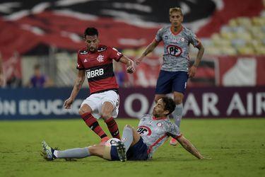 Un debut con 32 años: Mauricio Isla se estrenará en Chile a nivel de clubes con Flamengo