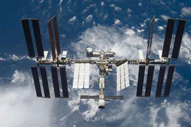 """Las cenizas de """"Scotty"""" de Star Trek estaban en la Estación Espacial Internacional hace 12 años, y la Nasa no lo sabía"""