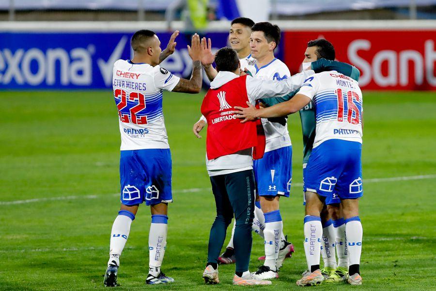 Los cruzados celebran su clasificación a la ronda de los 16 mejores de la Copa Libertadores