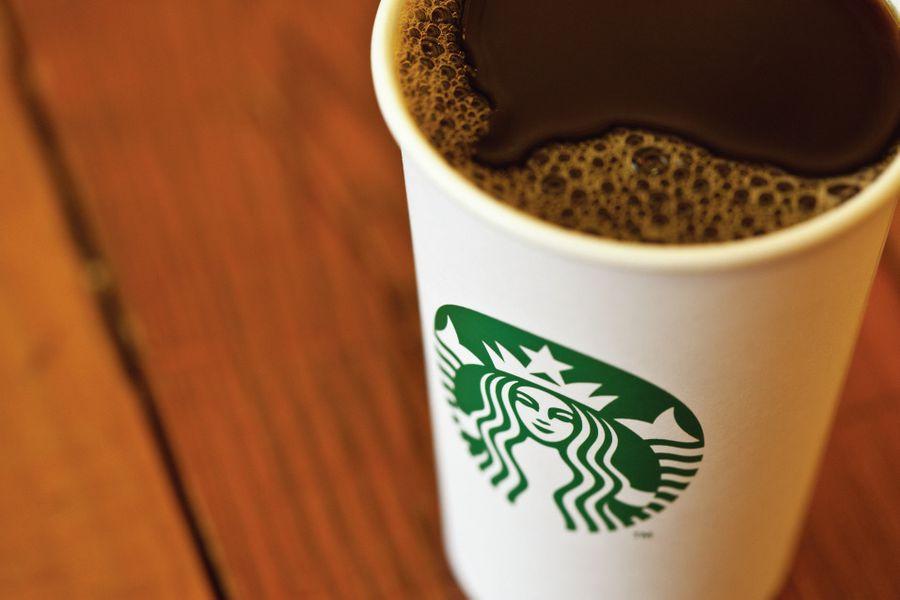 Sindicato de Starbucks acusa suspensión laboral unilateral y presenta demanda contra la empresa