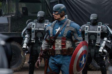 Captain America: The First Avenger pudo contar con una batalla entre Steve Rogers y un gigantesco robot de Hydra