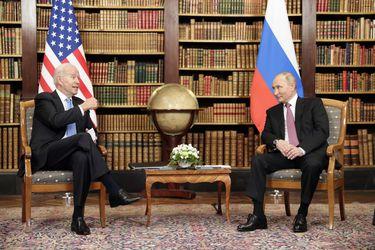 """Putin califica como """"constructiva"""" cumbre con Biden y descarta """"hostilidad"""""""