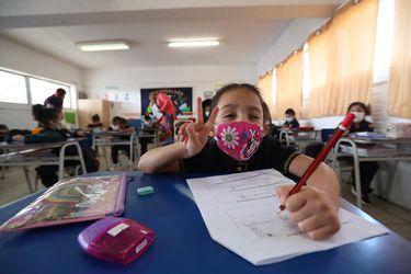¿Deben retomarse las clases presenciales en colegios?