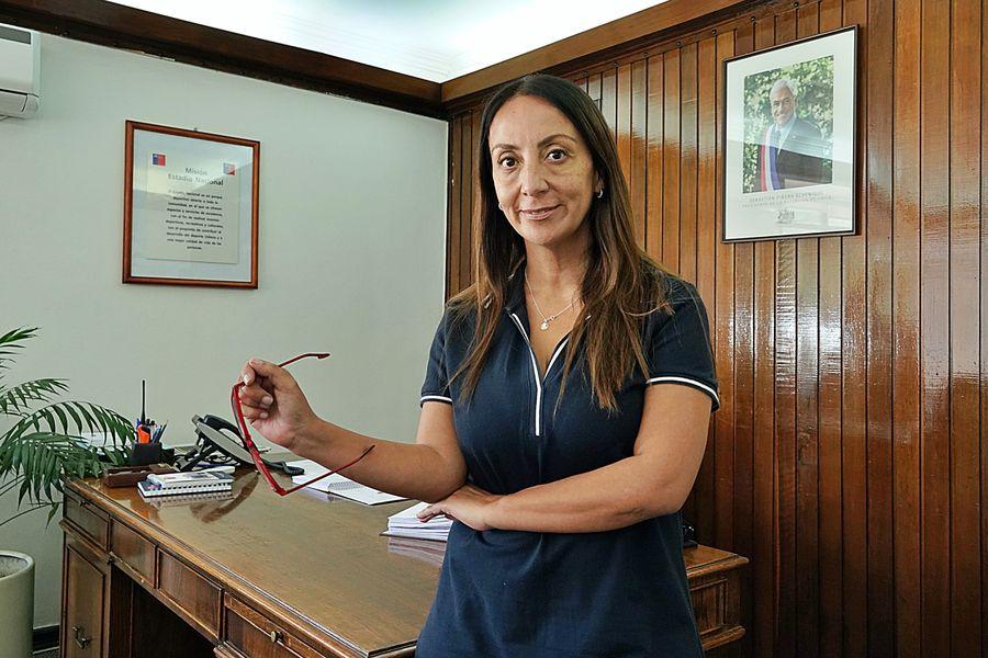 La ministra de deporte, Cecilia Pérez, en su nueva oficina habilitada en el Estadio Nacional.