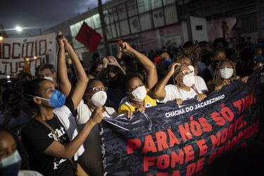 Aumentan a 28 los muertos por cuestionada operación policial en favela de Rio de Janeiro