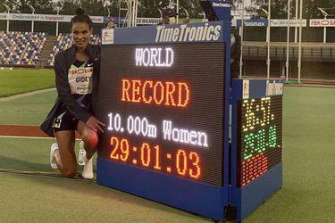 Solo dos días duró el récord mundial de 10 mil metros: Gidey pulveriza la marca