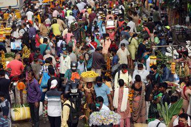India registra 36.370 casos de coronavirus, su menor cifra desde mediados de julio