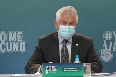"""Paris señala que el calendario de vacunación """"se debe mantener"""" pero que se realizará un catastro para que los crónicos y rezagados que no alcanzaron a inocularse puedan recibir su dosis"""