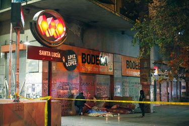 Hombre en situación de calle muere  junto a estación Santa Lucía de Metro y se investiga posible contagio de Covid-19