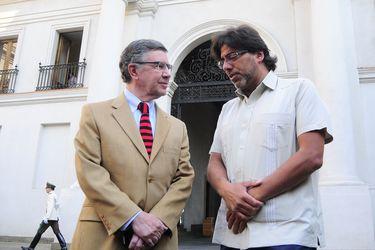 Joaquín Lavín y Daniel Jadue al interior de La Moneda.