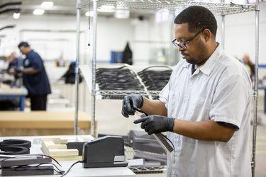 Ford se une con 3M, General Electric y el sindicato de trabajadores para acelerar producción ventiladores mecánicos y otros insumos