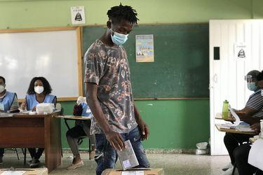 """La experiencia electoral de República Dominicana en pandemia: """"Lo que más costó fue el distanciamiento social"""""""