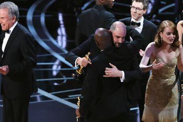 """¿Por qué se produjo el insólito error en los Óscar que dio a """"La La Land"""" como ganadora de la Mejor Película?"""