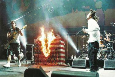 El día en que murieron los 90: los momentos clave que marcaron a Woodstock 99