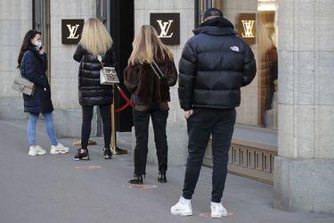 Llenas de efectivo, las compañías europeas recurren a la recompra de acciones