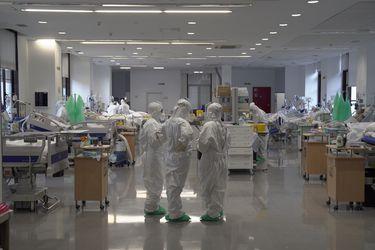 """OMS asegura que Europa supera el millón de muertes en un """"punto crítico"""" de la pandemia"""
