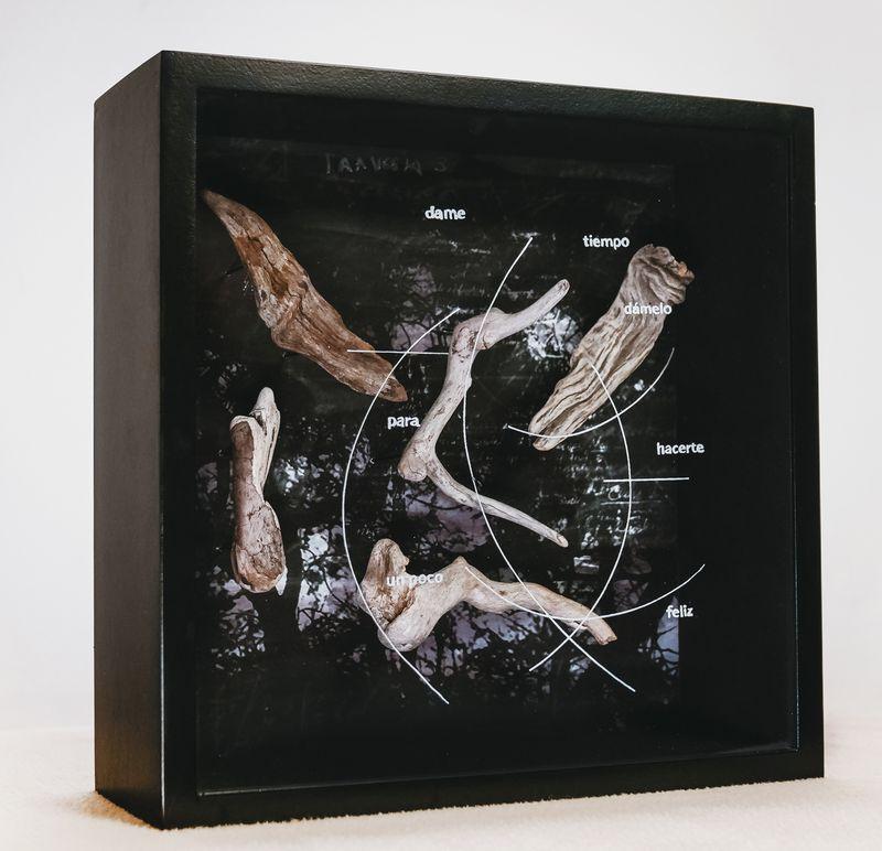 """""""La estación de las mujeres"""" de Carla Guelfenbein, en Galería Artespacio."""