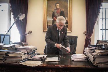 El día después del Presidente tras el 25/O: Las preguntas, riesgos y desafíos para el año y casi cinco meses que le quedan en el poder