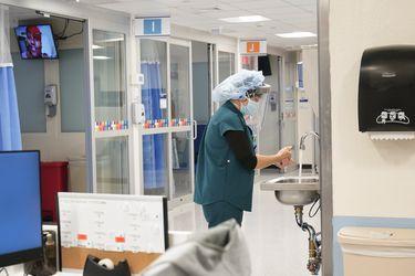 Estados Unidos se acerca a los 24 millones de contagios tras confirmar casi 200 mil casos en un día